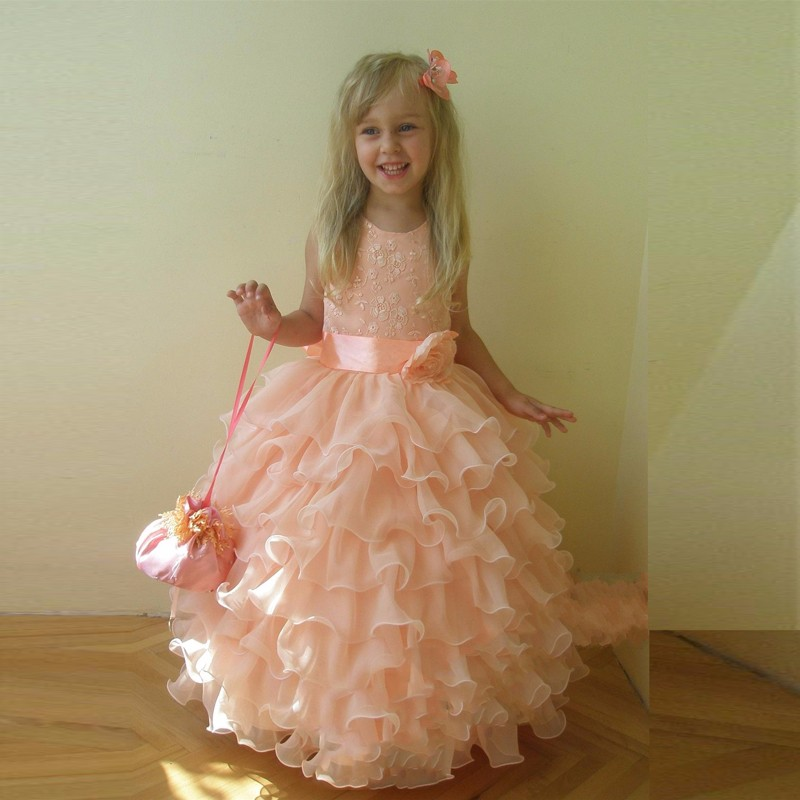 Cute Ball Gown Flower Girls Dresses comunion Wall Flower Girl Dresses Scalloped Pleat Tapes Soaghetti Belts