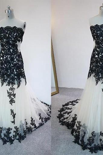 2016 Long Prom Dresses Sleeveless Backless Floor Length Black Applqiued Tulle Prom Gowns Formal Dresses
