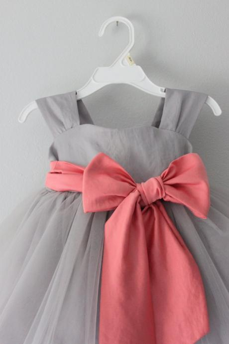 grey flower girl dress with pink sash,Sleeveless Round collar flower girl dress